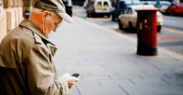 Los mejores móviles para personas mayores que son fáciles de usar 2019