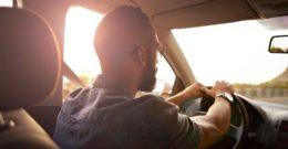 El teléfono gratuito de Avis para alquilar un coche
