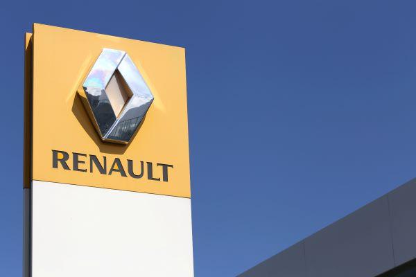 Llamar a Renault