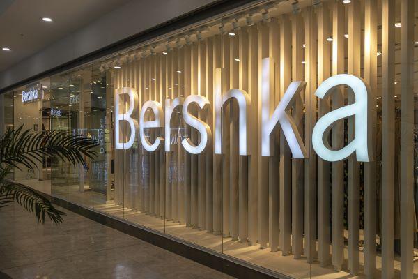 Teléfono Bershka